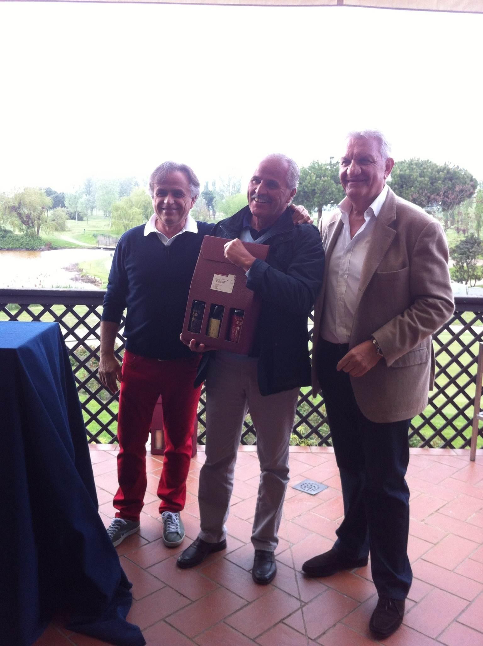 da sx Fabio Di Pietro (Presidente Adriatic Golf Club Cervia), Sergio Foschi (vincitore prima categoria), Cesare Trevisani (Podere Palazzo).