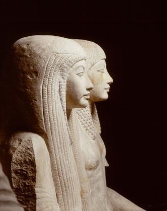 Gruppo statuario di Maya e Meryt. Statua della coppia. Calcare, 158x94x120. XVIII dinastia, regni di Tutankhamon (1333 – 1323 a.C.) e Horemheb (1319 – 1292 a.C.). Rijksmuseum van Ouheden, Leiden